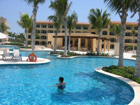 Hacienda Tres Rios : One of the pool areas