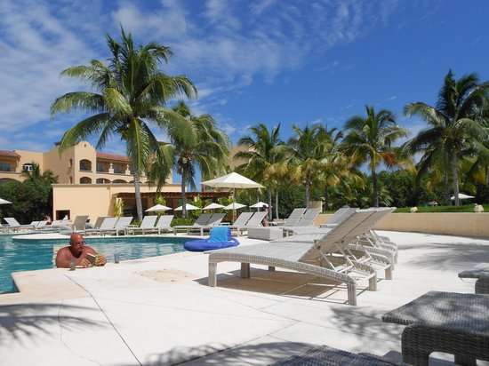 Hacienda Tres Rios: Quiet as you want in the adult pool