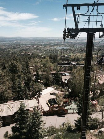 Cheyenne Mountain Zoo: View of the zoo from the sky ride