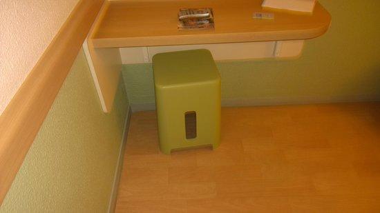 Ibis Budget Nice Aeroport : Room