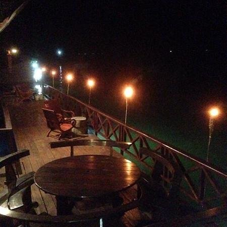 Sunset Bungalows Resort: A fantastic Dining experience by the Lagoon at the Sunset Bungalows Restaurant