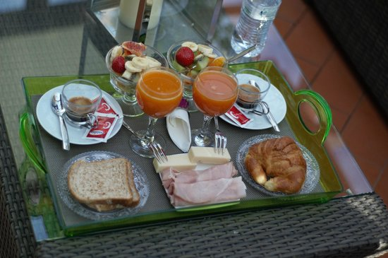 Althea Inn Roof Terrace: Delicious, fresh breakfast