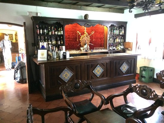 Santo Tomas Hotel: Hotel bar