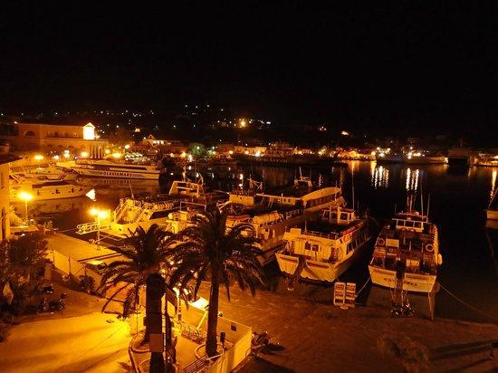 Aragona Palace Hotel : 部屋のバルコニーからの夜景