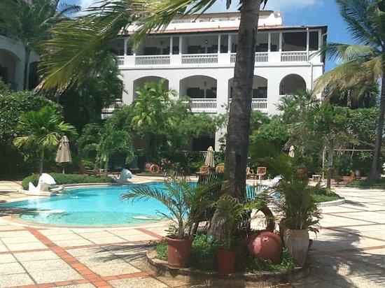 Zanzibar Serena Hotel: Hotel grounds