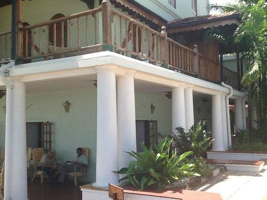 Zanzibar Serena Hotel: The wraparound balcony around our room