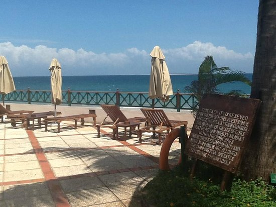 Zanzibar Serena Hotel : Enjoying the view