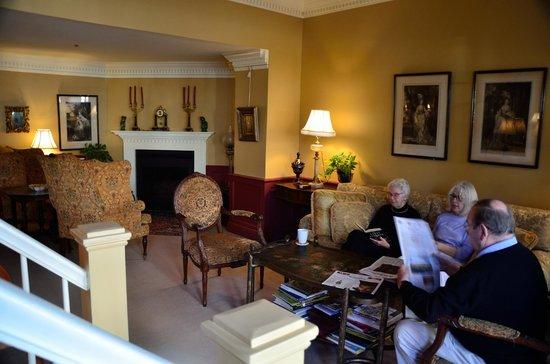 Hydrangea House Inn: Sitting Area
