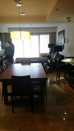 Paradisus Playa del Carmen La Perla: Kitchen area and sitting room