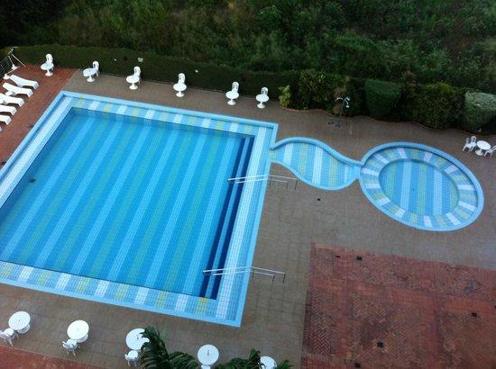 Falls Galli Hotel: Piscina do hotel