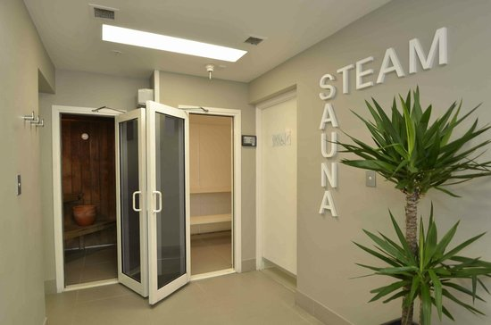 Chateau Royale Beach Resort: Sauna and Steam Rooms