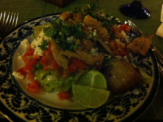 Sandos Caracol Eco Resort: Delicious Mexican buffet food