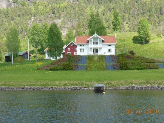The Telemark Canal: Fairy Tale Home along Canal