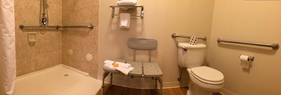 La Quinta Inn Moab : accessible bathroom