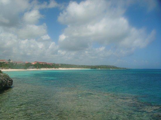 Paradisus Rio de Oro Resort & Spa: View down the beach