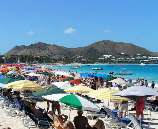 Orient Bay Beach : Too crowded for my liking!
