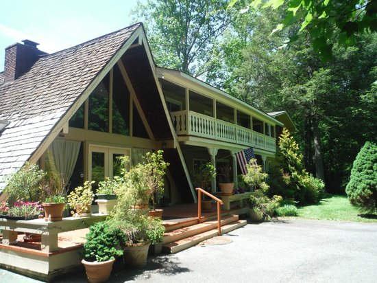 Rock Laurel Bed and Breakfast: The House