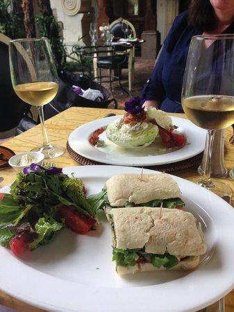 Palacio de Dona Leonor: Lunch!