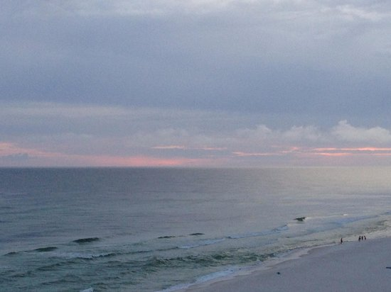 Majestic Beach Towers: Dusk from our room