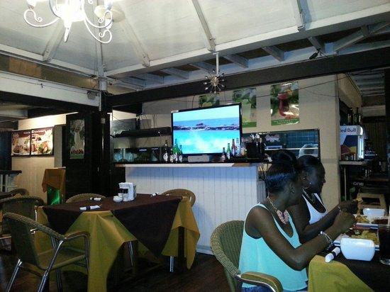 Porto Restaurant: Inside