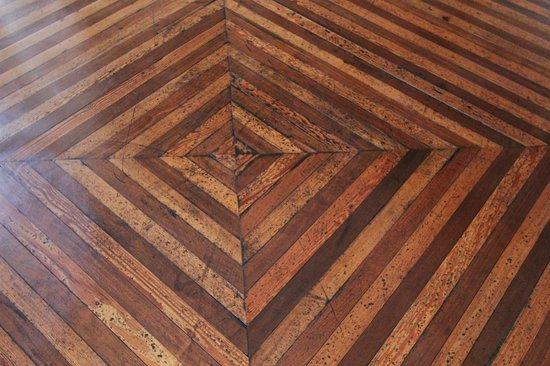 Museo Pedro de Osma: Flooring
