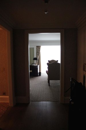 Powerscourt Hotel, Autograph Collection: Entry into the suite