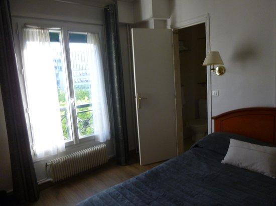 Hotel de Geneve: 室内