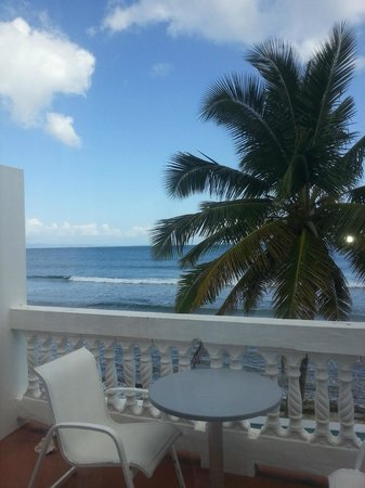 Bravo Beach Hotel : Upper oceanside room view
