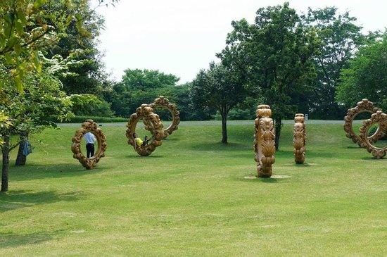 Kirishima Open-Art Museum : 韓国作家の輪っか