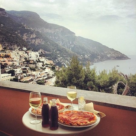 Hotel Conca d'Oro Positano : Lunch with a view!