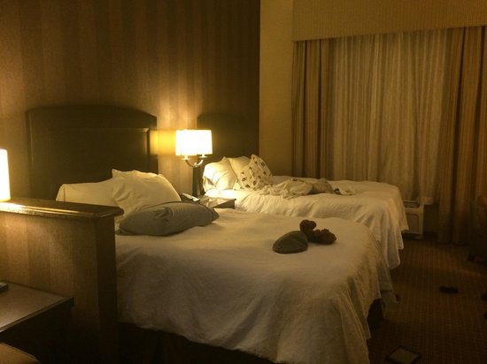 La Quinta Inn & Suites Edgewood / Aberdeen-South : Two very comfy beds