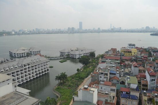 Sheraton Hanoi Hotel: View for tthe 16th floor.