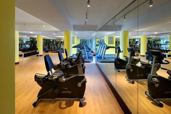 Radisson Blu Hotel Shanghai New World: Gym