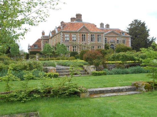 Heale Gardens: Estate House