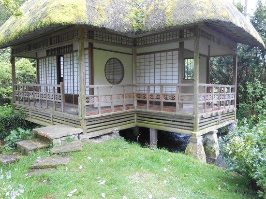 Heale Gardens: Japanese Tea House