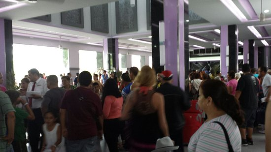 ClubHotel RIU Jalisco: Loco with locals again...dont go here!!!°