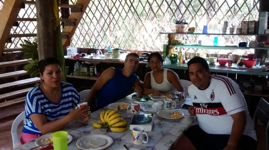 Quintana Roo National Park Campground & Hiking: El ambiente con los anfitriones es muy fraternal.