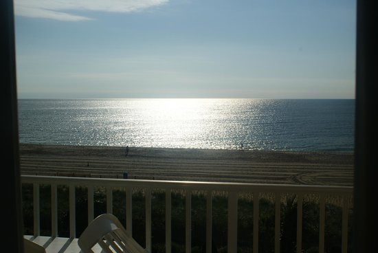 Carousel Resort Hotel & Condominiums : View from Oceanfront 4th Floor