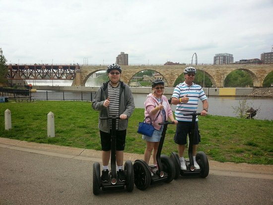 ‪Mobile Entertainment Segway Tours‬