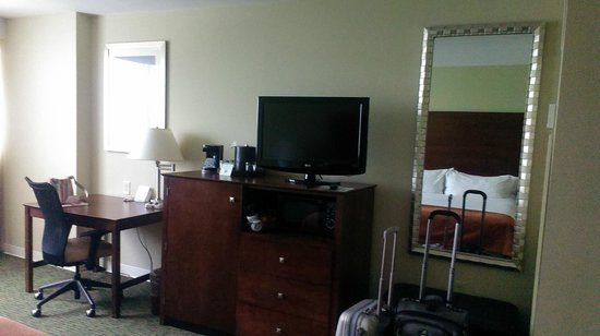 Holiday Inn Orlando – Disney Springs Area: another view of the room