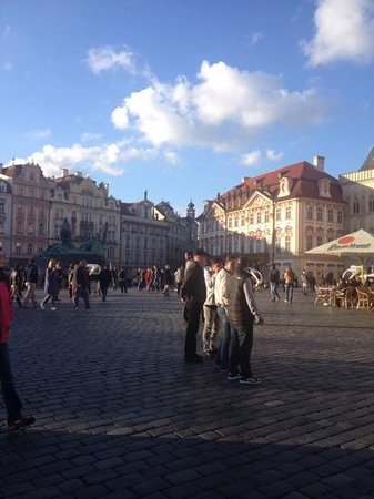 Discover Prague Tours : PlazaVieja