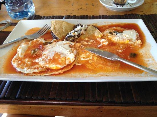 Casa Aq ab al: Traditional Mexican breakfast - YUMMY