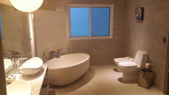 Lingganay Boracay Hotel Resort: Ein Wahnsinns-Badezimmer