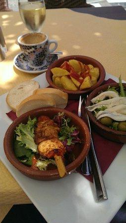 Restaurante La Fuente : €7.50 Tapas Lunch