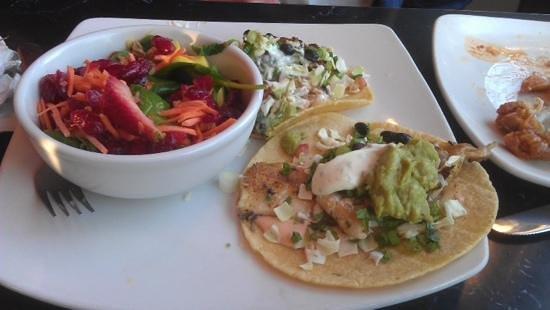 Silver Diner: baja fish tacos