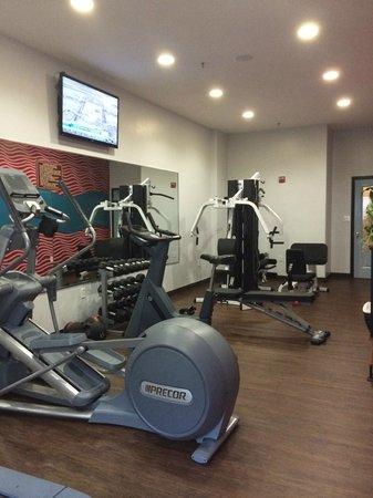 La Copa Inn Beach Hotel: gym located on first floor