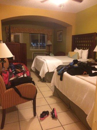 La Copa Inn Beach Hotel: Our room