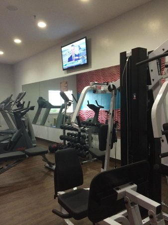 La Copa Inn Beach Hotel: gym on first floor