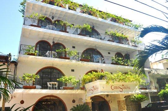 Hotel Casa Dona Susana: Front of hotel