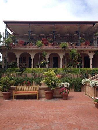 La Playa Carmel: The beautiful terrace upstairs is where breakfast is served, you can sit inside or outside. It w